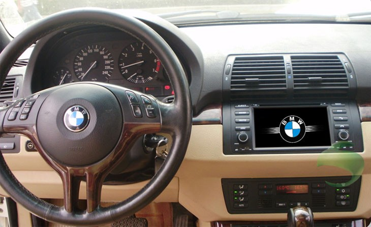 The effect picture after installing the BMW X5 E53 DVD player