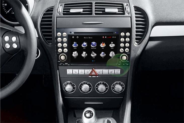Mercedes-Benz SLK DVD player after installation