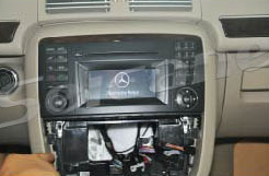 2005-2012 Mercedes Benz GL Class X164 head unit installation step 4