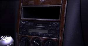 2001-2011 VW Volkswagen MK5 car stereo installation step 1