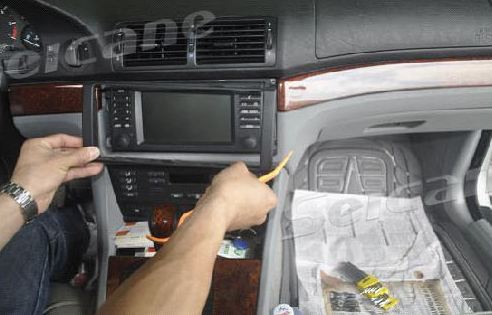 How to easily upgrade a 2000-2007 BMW X5 E53 head unit with