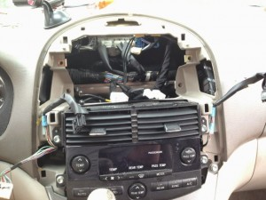 7-3.Dash with stereo removed