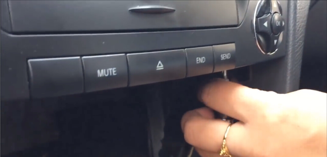 2002-2008 Mercedes Benz E Class W211 Sat Navi radio stereo