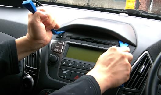 2009 2010 2011 2012-2015 Hyundai IX35 Car Radio installation