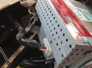 Connect the Seicane car radio to your original car radio's plugs