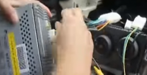 Put the original radio plug into our Seicane radio