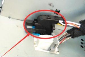 Connect Android Black Plug into Original Blue Socket